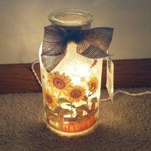 NWT Sunflower Glass Jar Light